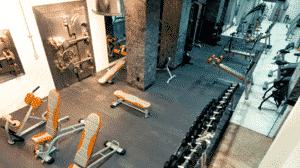 Suministro y colocación de pavimentos para fitness, proyecto, sala de deportes, diseño, PAVIMENTO DISEÑADO PARA, Areas de fuerza y peso libre, Cardio, Cycling, grupales, tránsito, Comfortgym, ¿Cuánto cuesta?, piso de goma, rompecabezas, suelo prefabricado, trabajo de diseño, la clase más alta,aeróbicos,yoga, culturismo